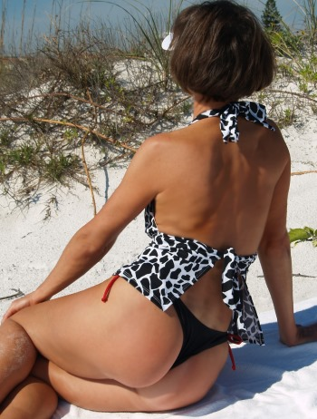 The Sexy Thong bottom allows for great tanning