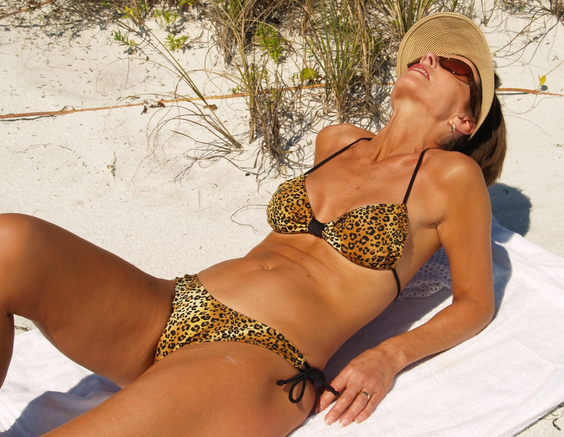 Manhattan beach strip bikini club