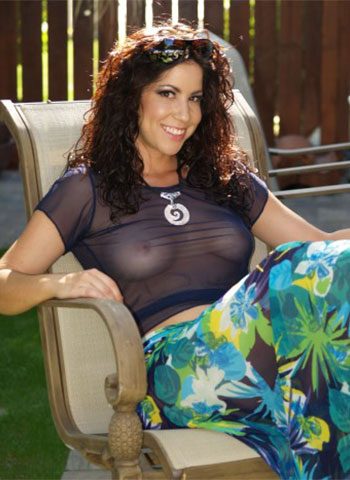 Shown here the Paradise Sarong with Navy Sheer T and Sea Shell jewelry