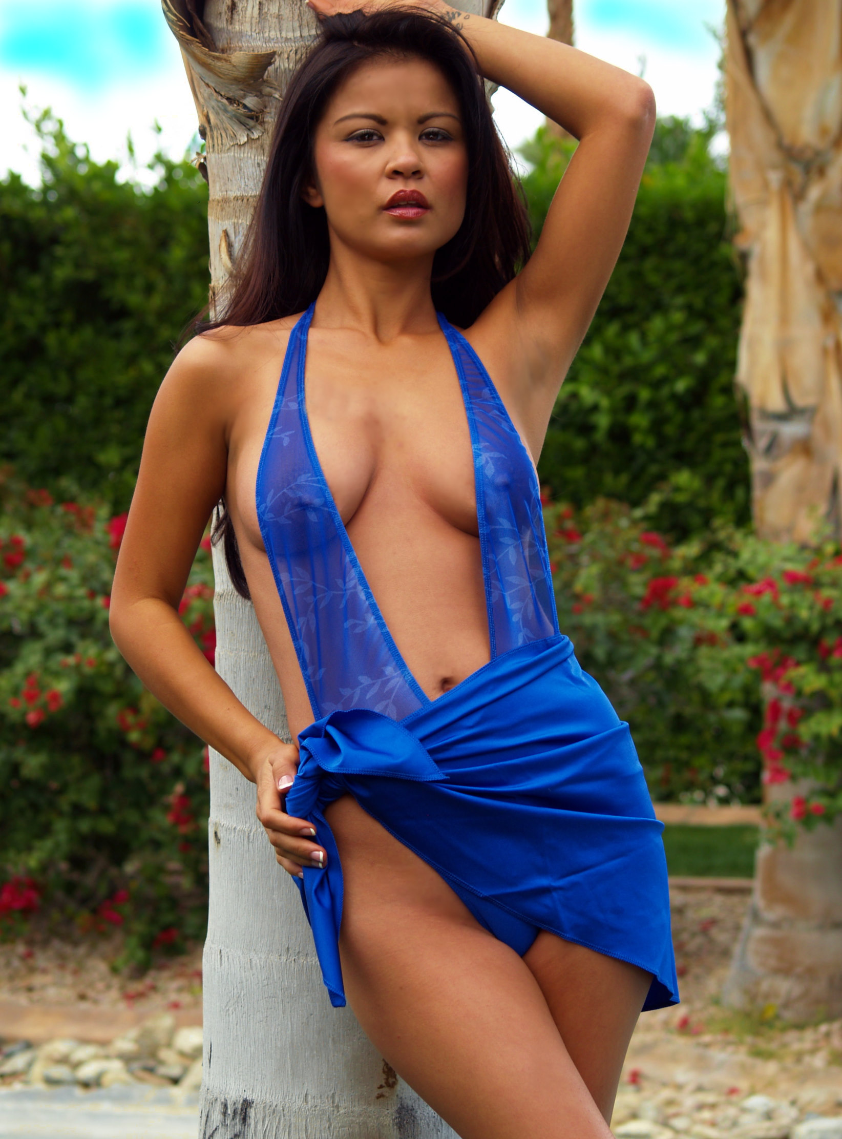 Pair your swimsuit with our coordinating Royal Blue Sarong for a go ...