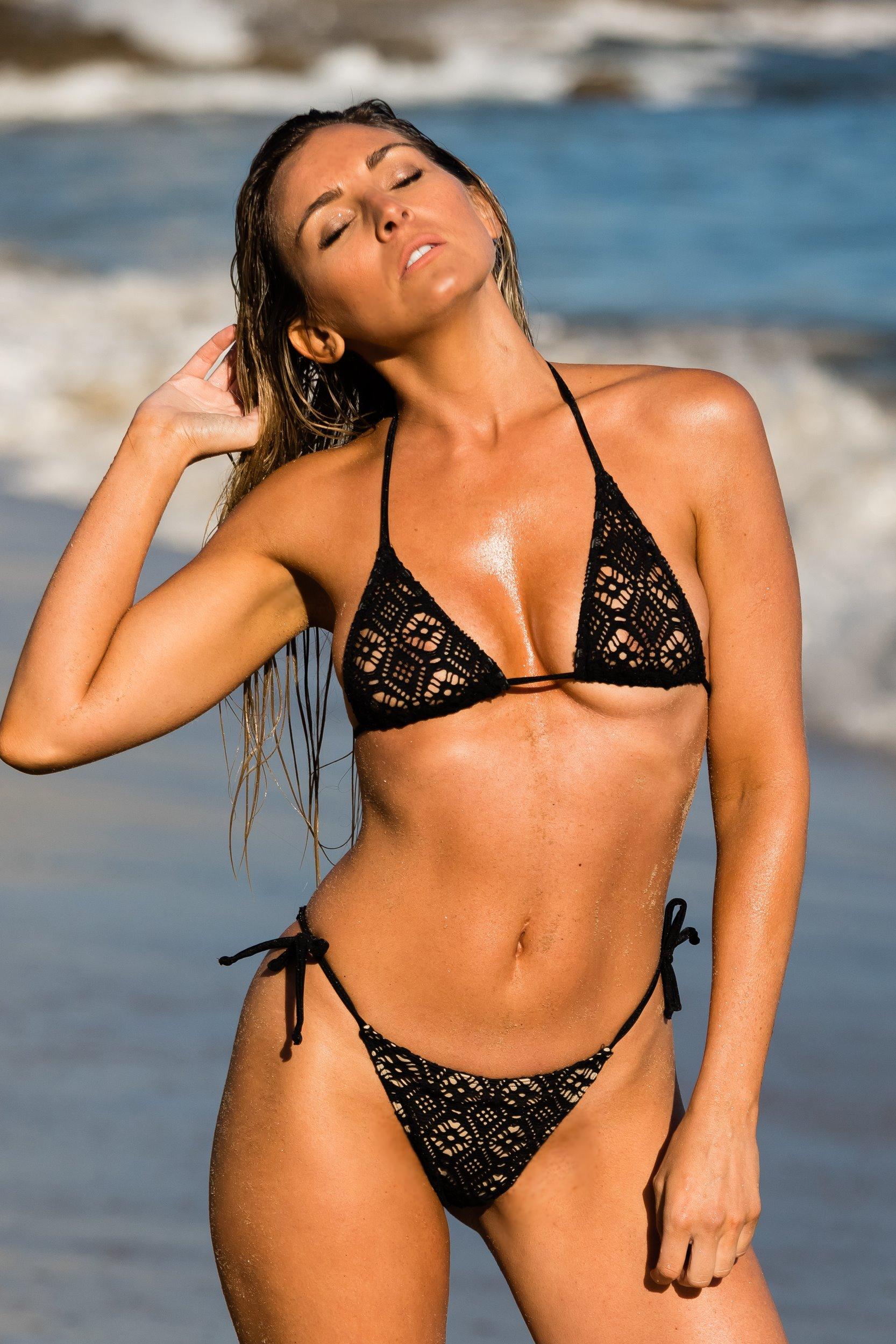05c1108cecd0f An exquisite crochet bikini swimsuit. Choice of thong of Rio bottom