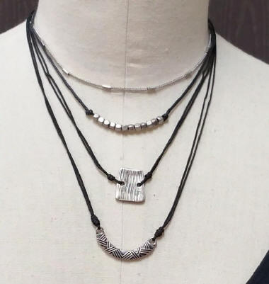 Four Tier Choker