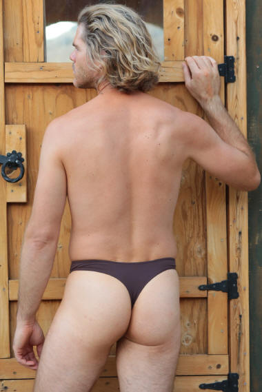 Low Rider Men's thong swimsuit in Chocolate